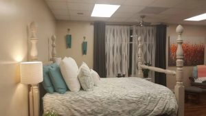 give birth in this room at Atlanta BIrth Center